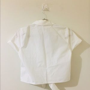 Wilfred Tops - Wilfred cropped white collar button up top.